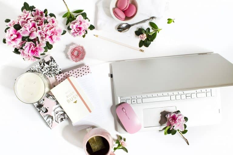 Managing Overwhelm When Starting a Blog