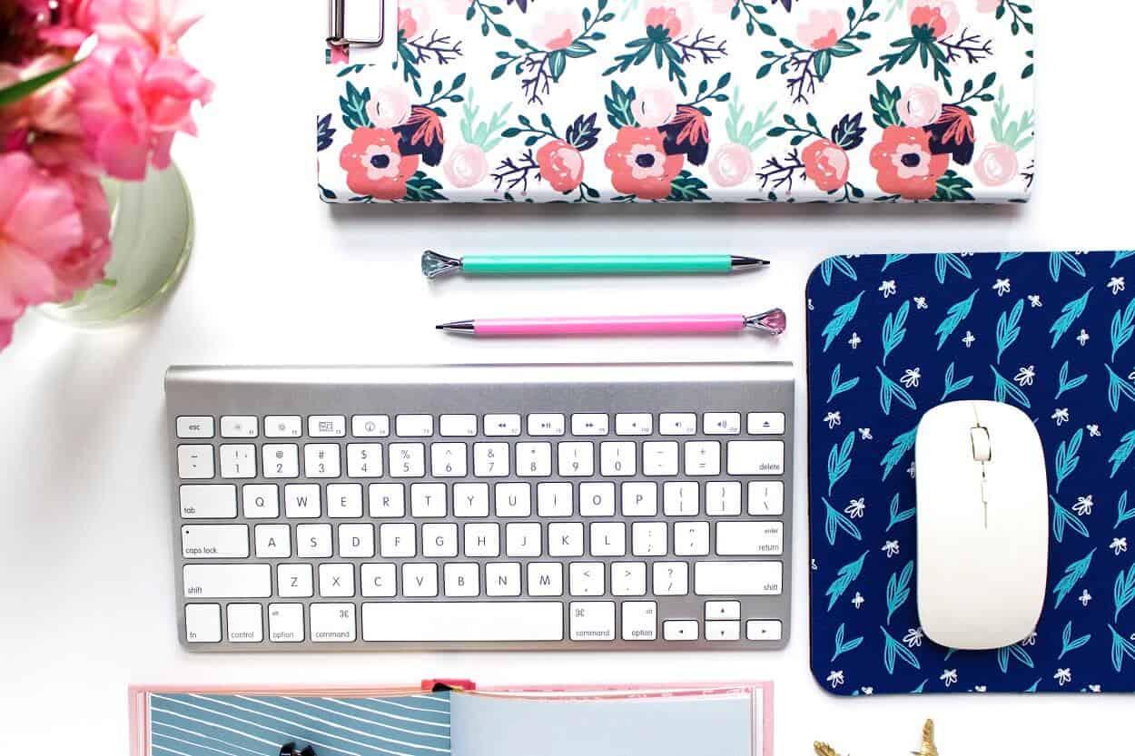 The Best Facebook Groups for Bloggers | Rigel Celeste